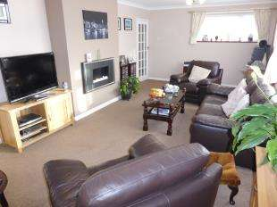 4 Bedrooms Detached House for sale in Spring Hollow, St. Marys Bay, Romney Marsh, Kent