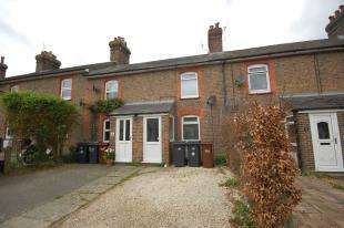 2 Bedrooms Terraced House for sale in Alexandra Road, Uckfield, East Sussex