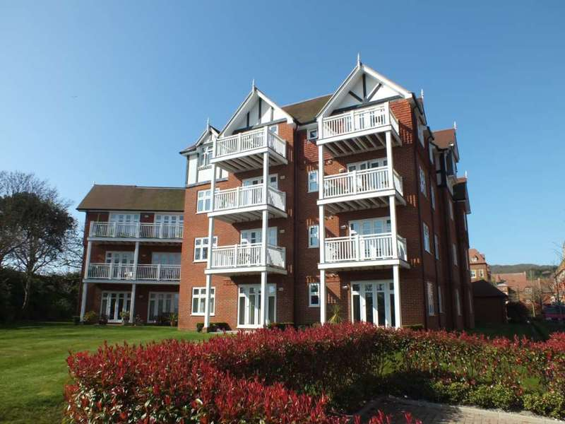 2 Bedrooms Flat for sale in Darley Road, Eastbourne