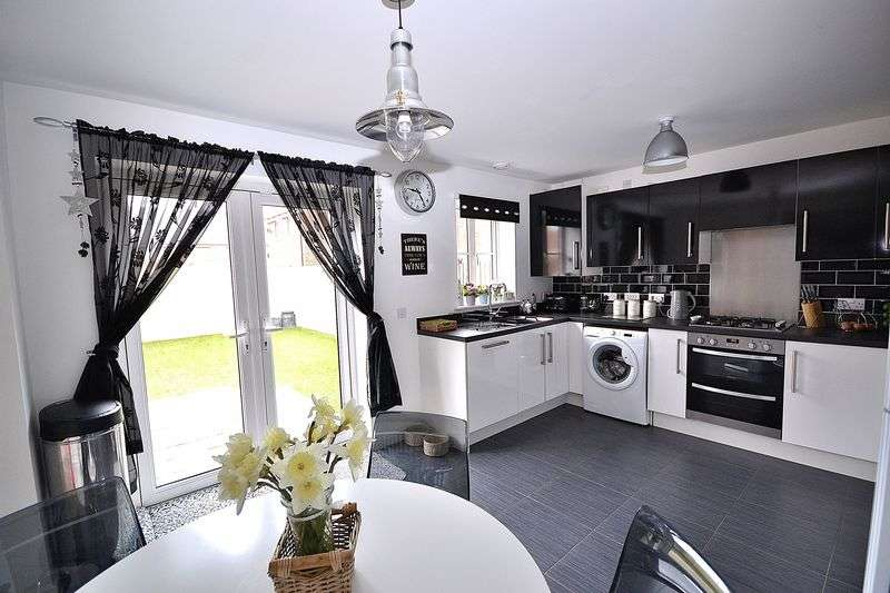 3 Bedrooms Detached House for sale in Clifford Close, Leighton Buzzard