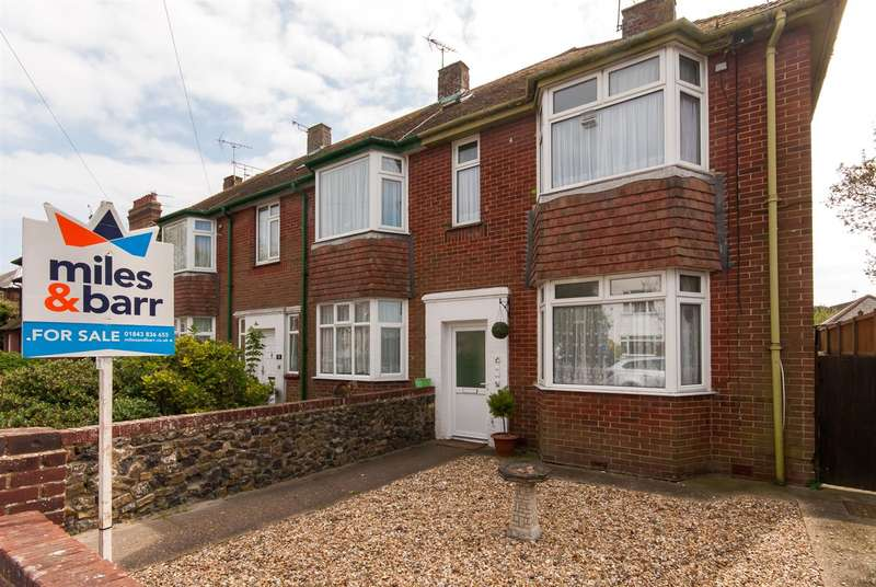 2 Bedrooms Flat for sale in Harold Avenue, Westgate-On-Sea