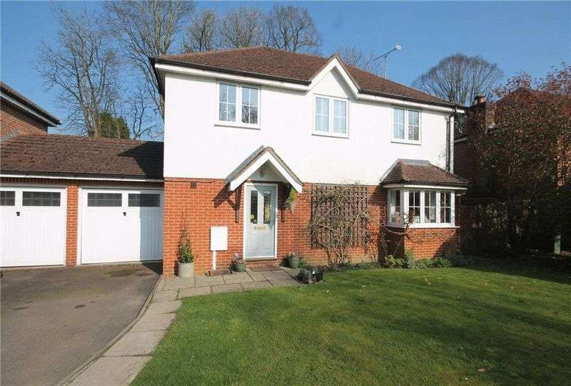 4 Bedrooms Detached House for sale in Tadworth