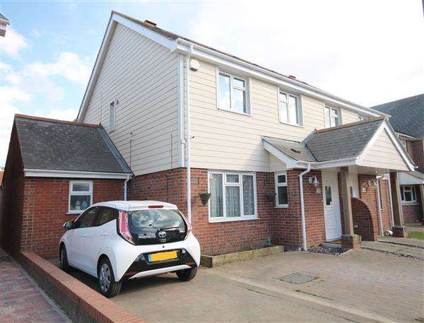 4 Bedrooms House for sale in Springfield Meadows, Little Clacton
