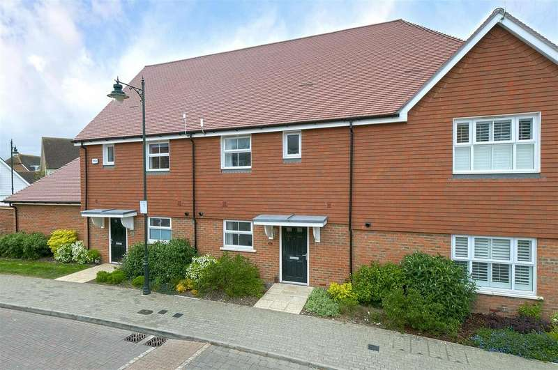 3 Bedrooms Terraced House for sale in Holly Way, Kings Hill, ME19 4NS