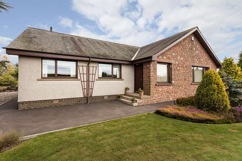 4 Bedrooms Bungalow for sale in Whig Street, Kirkbuddo, Dundee, Angus, DD8 2NN