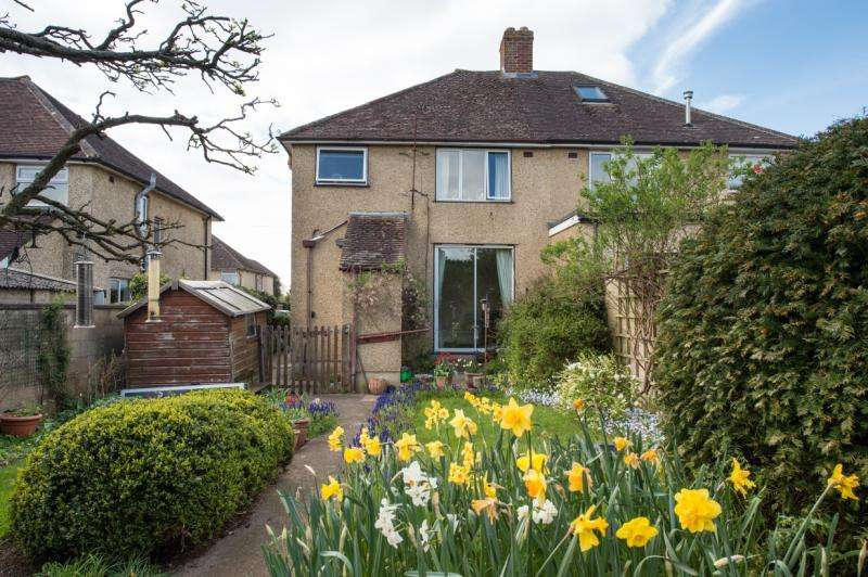 3 Bedrooms Semi Detached House for sale in Town Furze, Headington, Oxford