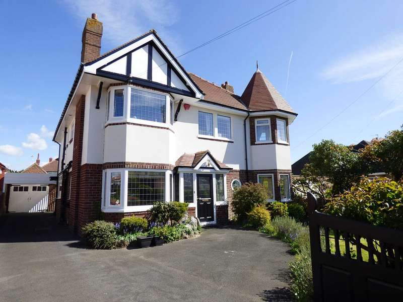 4 Bedrooms Detached House for sale in Myra Road, Fairhaven, Lytham St Annes.