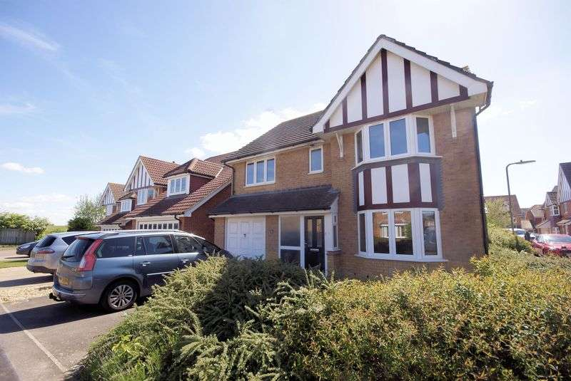 4 Bedrooms Detached House for sale in Wellington Drive, Lee-On-The-Solent
