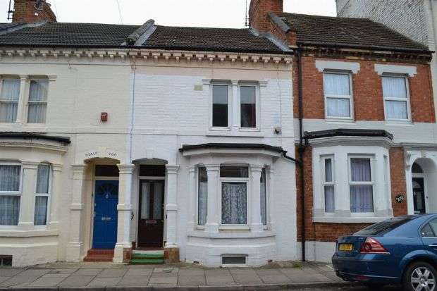 3 Bedrooms Terraced House for sale in Colwyn Road, The Mounts, Northampton NN1 3PU