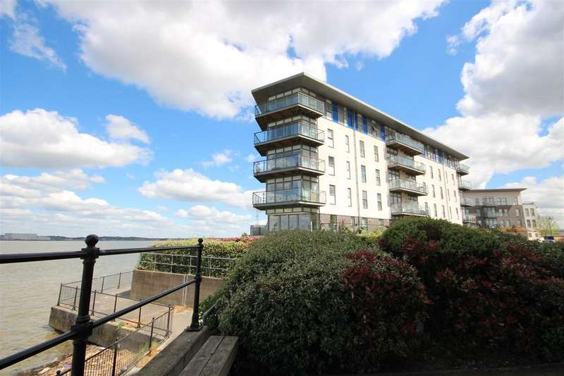 2 Bedrooms Apartment Flat for sale in Carmichael Avenue, Greenhithe