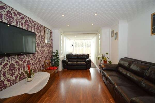 3 Bedrooms Semi Detached House for sale in Wilton Road, Crumpsall, Manchester, M8