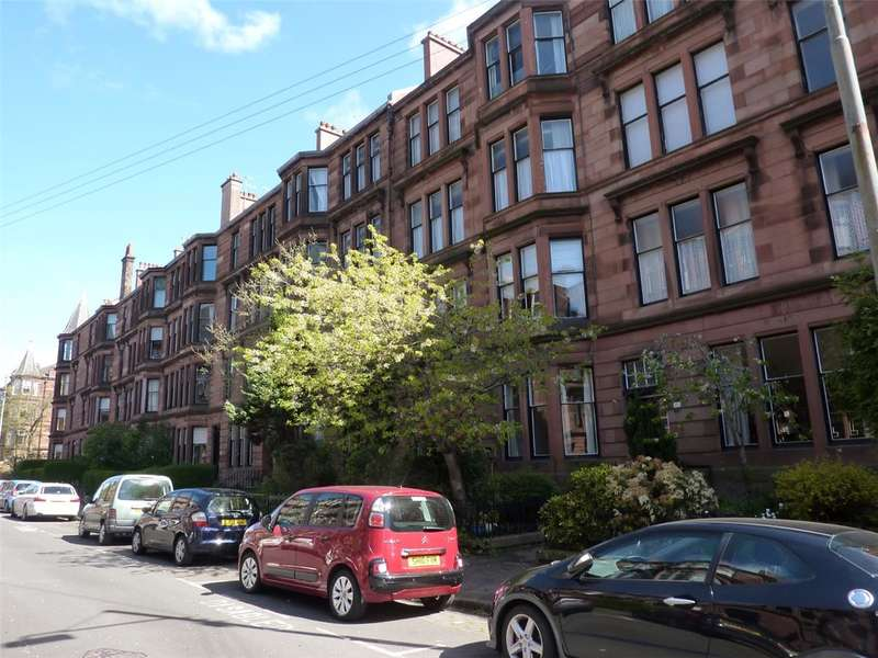 3 Bedrooms Flat for rent in Falkland Street, Hyndland, Glasgow