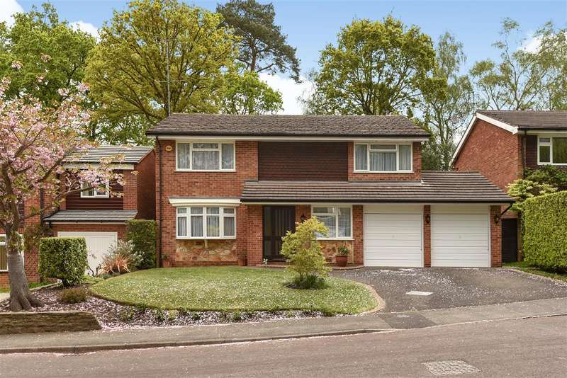 4 Bedrooms House for sale in Llangar Grove, Crowthorne