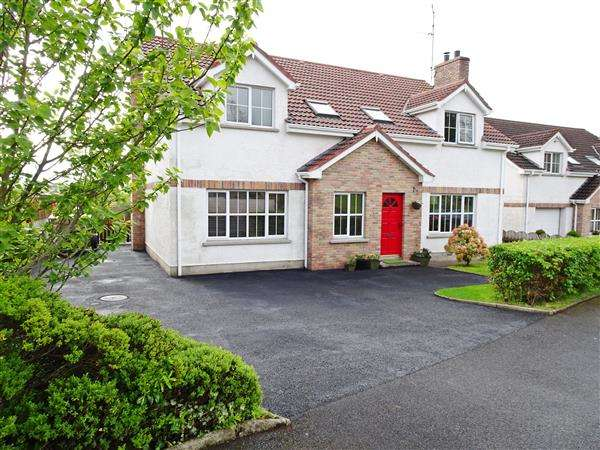 5 Bedrooms Detached House for sale in 21 Lawnakilla Park