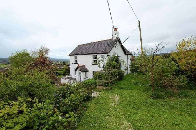 4 Bedrooms Detached House for sale in Graigfechan, Ruthin
