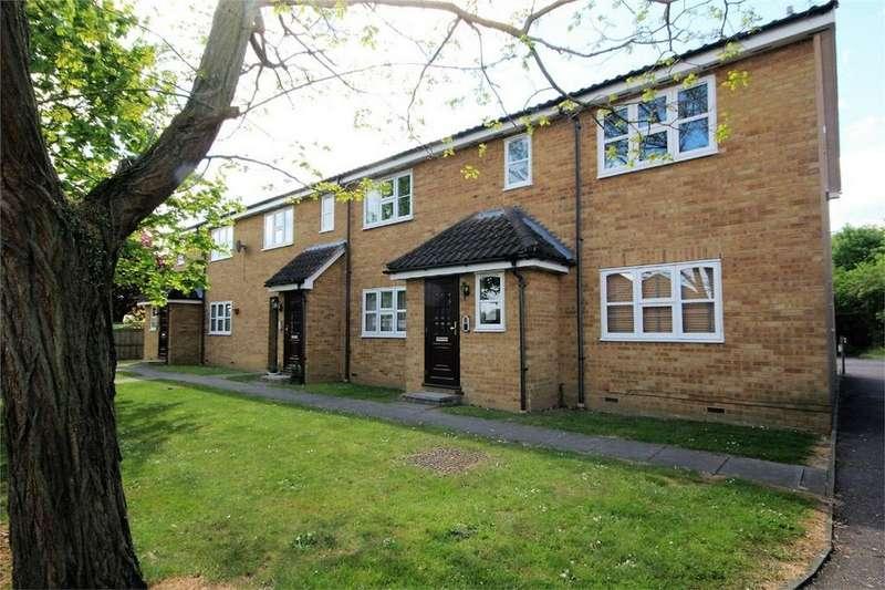 1 Bedroom Flat for sale in Fulcher Avenue, Chelmer Village, CHELMSFORD, Essex