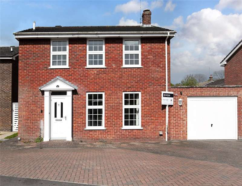 3 Bedrooms Detached House for sale in River Park, Marlborough, Wiltshire, SN8