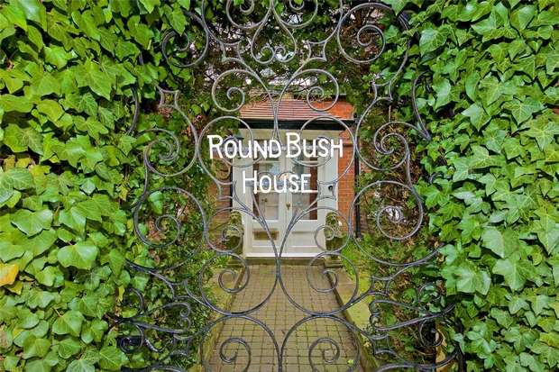 6 Bedrooms Detached House for sale in Roundbush Lane, Round Bush, Aldenham, Hertfordshire