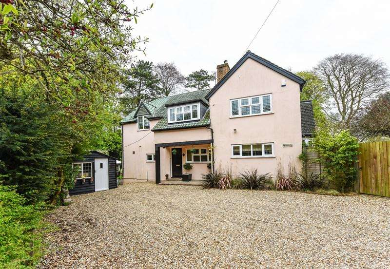 5 Bedrooms Detached House for sale in The Avenue, Andover