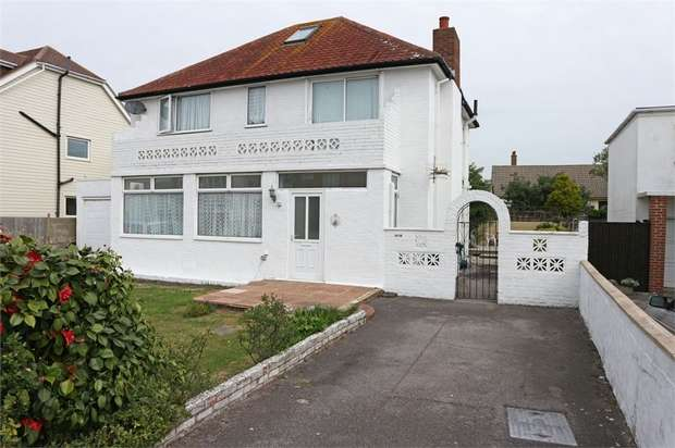 4 Bedrooms Detached House for sale in Bembridge Drive, Hayling Island, Hampshire
