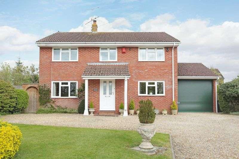 4 Bedrooms Detached House for sale in Market Lavington, Devizes, Wiltshire, SN10 4EA