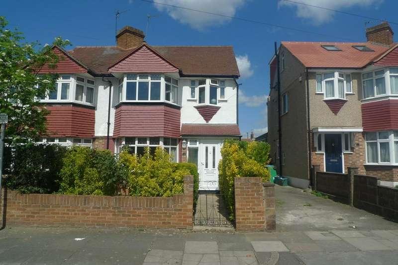 4 Bedrooms Semi Detached House for sale in Crane Way, Whitton, Twickenham TW2