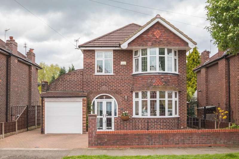 3 Bedrooms Detached House for sale in Grangethorpe Road, Urmston, Manchester, M41