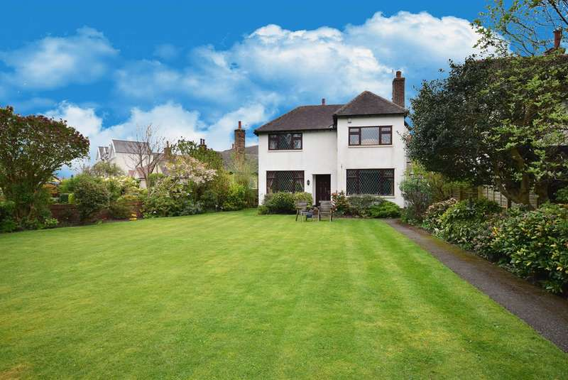 4 Bedrooms Detached House for sale in St Annes Road East, Lytham St Annes, FY8