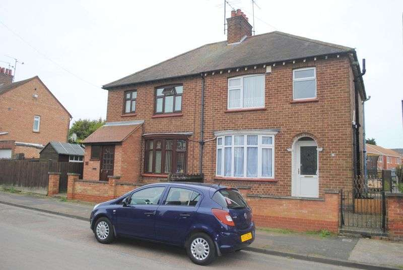 3 Bedrooms Semi Detached House for sale in Blinco Road, Rushden