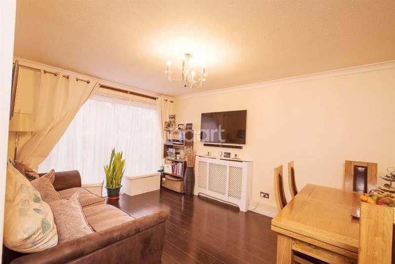 2 Bedrooms Flat for sale in Rosebery Avenue, Harrow, HA2