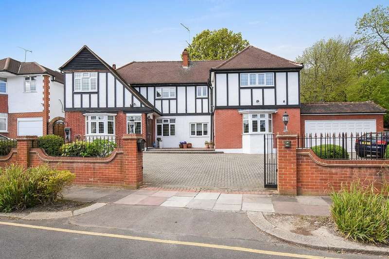 6 Bedrooms Detached House for sale in Parkway, Southgate, London, N14
