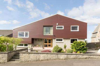 5 Bedrooms Detached House for sale in Kirkgate, Irvine, North Ayrshire