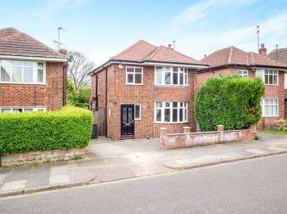 3 Bedrooms Detached House for sale in Windermere Road, Beeston, Nottingham, .