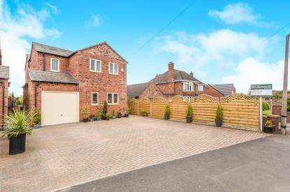 3 Bedrooms Detached House for sale in Meadow View, Green Lane, Bevere, Worcester