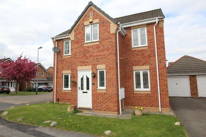 3 Bedrooms Detached House for sale in Hayfield Close, Normanton