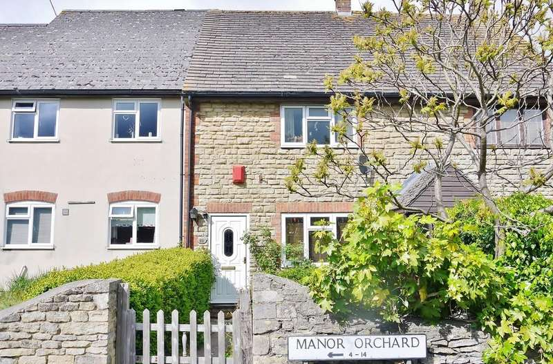 3 Bedrooms Terraced House for sale in Manor Orchard, Cricklade