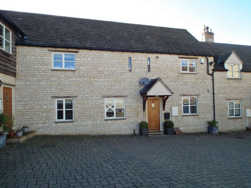 2 Bedrooms Terraced House for sale in Farriers Mews, Stamford