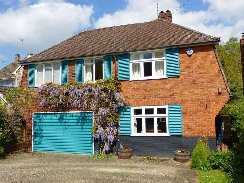 4 Bedrooms Detached House for sale in Marlow Bottom