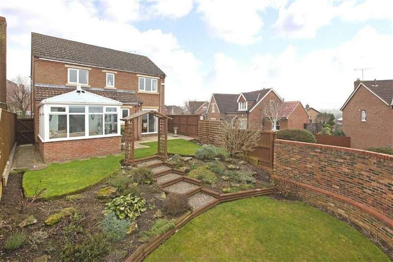 4 Bedrooms Detached House for sale in Spencers Way, Harrogate, North Yorkshire