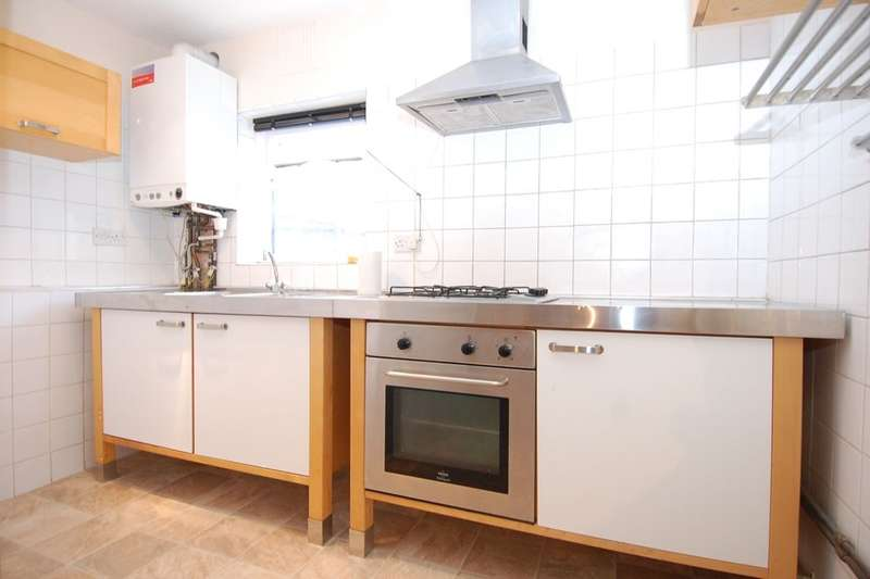 2 Bedrooms Flat for sale in Palace Road, Bromley, BR1