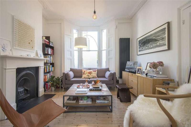 3 Bedrooms Terraced House for sale in Glenarm Road, London, E5
