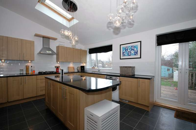 5 Bedrooms End Of Terrace House for sale in Ruskin Avenue, Saltburn by the Sea, North Yorkshire, TS12