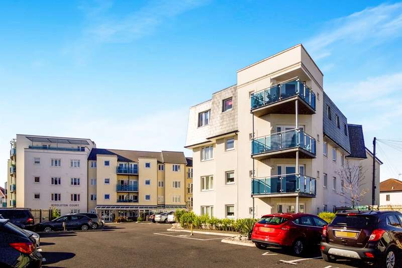 2 Bedrooms Ground Flat for sale in Middleton Court, Porthcawl