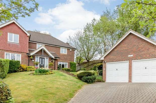 4 Bedrooms Detached House for sale in Abigail Crescent, Walderslade, Chatham, Kent