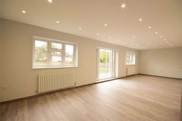 3 Bedrooms Flat for sale in Vineyard Avenue, London