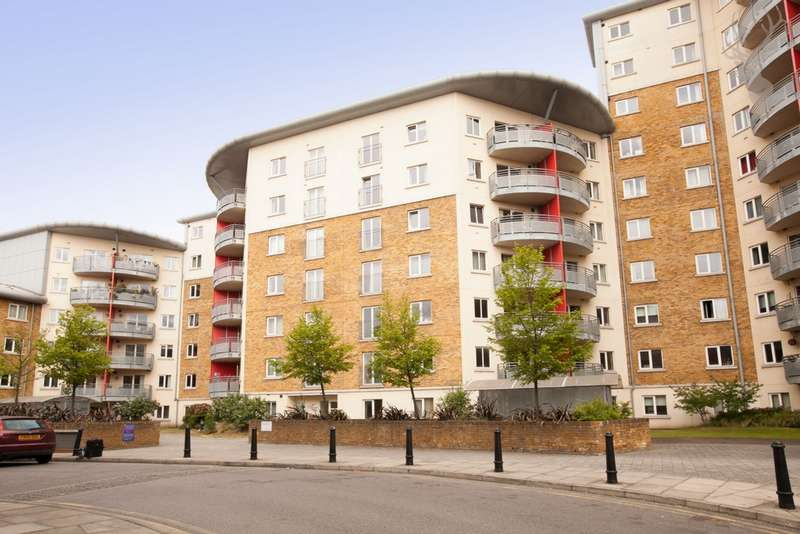 2 Bedrooms Flat for sale in Cuthbert Bell Tower, St Pancras Way, Bow, E3