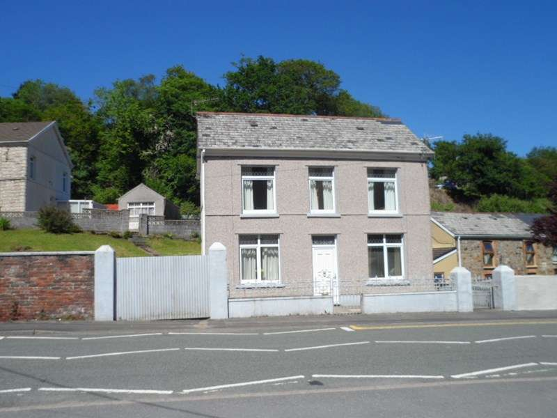 2 Bedrooms Detached House for sale in Upper Cwmtwrch, Swansea