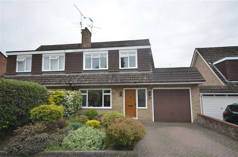 3 Bedrooms Property for sale in Dale Close, Farnham
