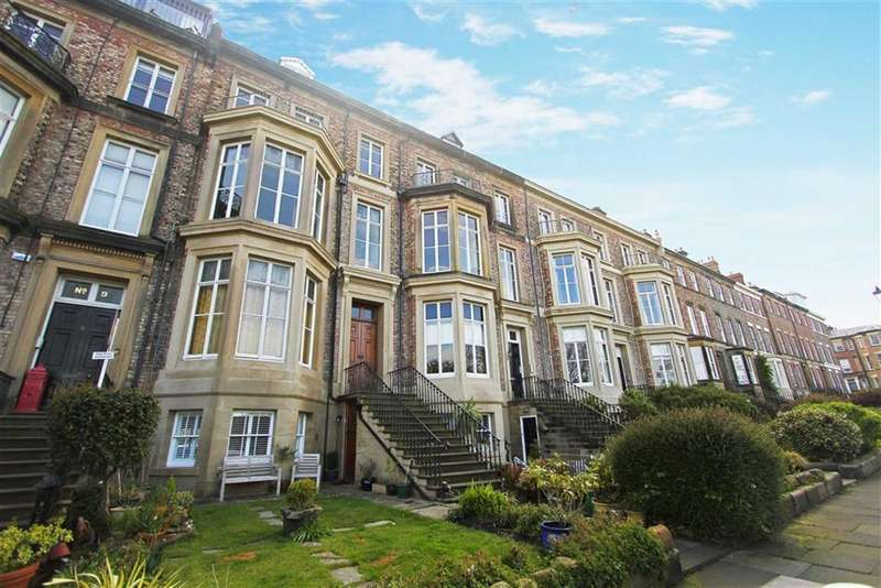 2 Bedrooms Flat for sale in Priors Terrace, Tynemouth, Tyne And Wear