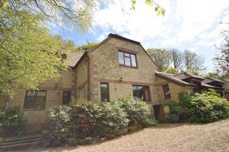 4 Bedrooms Detached House for sale in Main Road, Shorwell